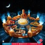 ドミノピザ・マレーシアさん、ピザで人気ゲームの街を再現してしまう!