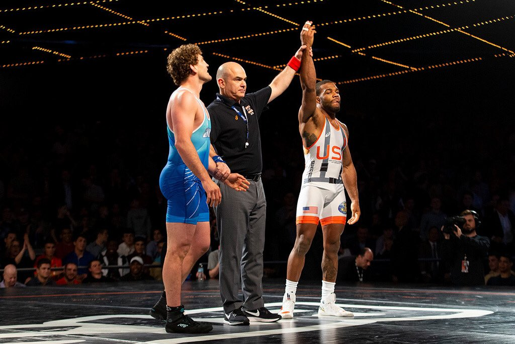 On this day last year, Olympic Gold Medalist Jordan Burroughs (@alliseeisgold) defeated UFC Welterweight @Benaskren in the 10th annual @BeattheStreets wrestling event in front of a packed house. 🤼♂️ https://t.co/sHThD8ixYy