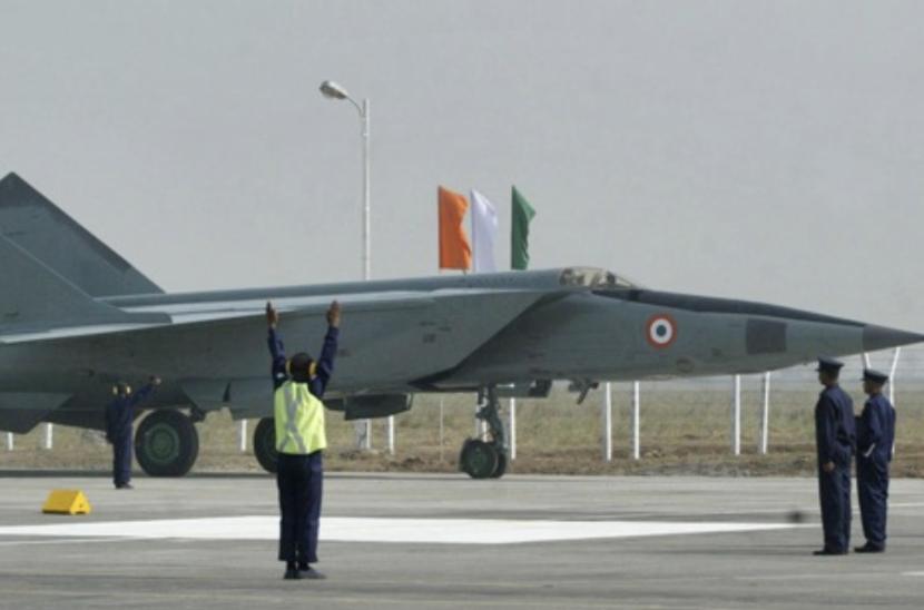MiG-25.