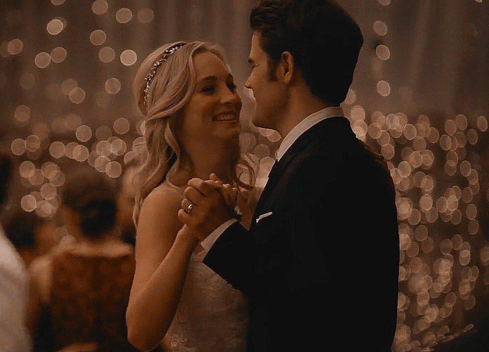 Mr and Mrs. Salvatore  They deserved a happy ending. Stefan&Caroline always #steroline #StefanandCaroline #TVDpic.twitter.com/7iVf4QhSV1