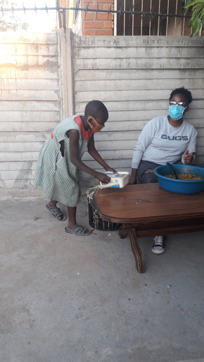 Day 21!!   395 children served porridge 1049 people were served supper today!!!  Very grateful for the support and donations coming through from you all. https://t.co/HACXTynO0E