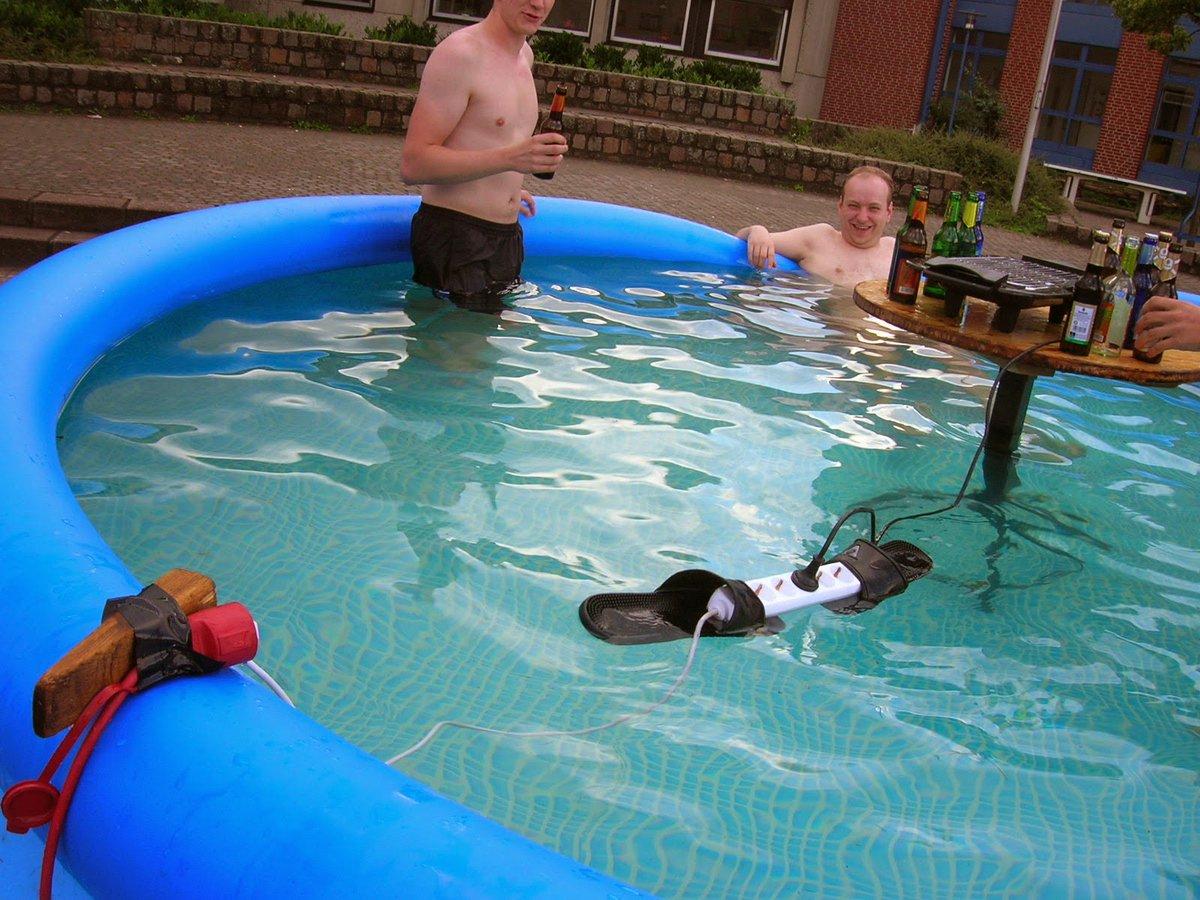 демотиваторы мытье бассейна инстаграм фотоальбомы социальных