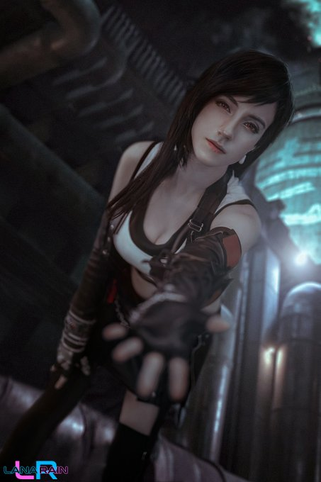 2 pic. Meanwhile here are some of my professional Tifa photos, please fav/follow me on here so I can