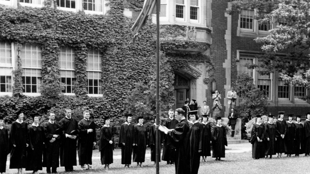Looking back to commencements in the days of yore at #geneseo https://t.co/coCsk3GUXa