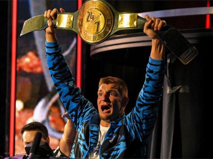 Happy Birthday to WWE 24/7 Champion Rob Gronkowski who turns 31 today!