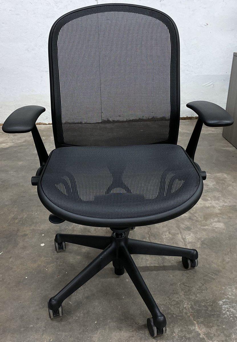 Knoll Chadwck ergonomic chairs  http://www.dfsihouston.com  #knoll #Chadwick #ergonomics #meshchair #heavyduty #ergonomicchair #designerchair #officechair #comfortablechairpic.twitter.com/OHyaz4dXa1