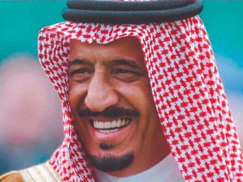 #سلمان_بن_عبدالعزيز_ال_سعود يامداوي قلوب  اهل القلوب الوجاع ياكبير المكانه يا زعيم العرب 👑 https://t.co/EobEa1YePw