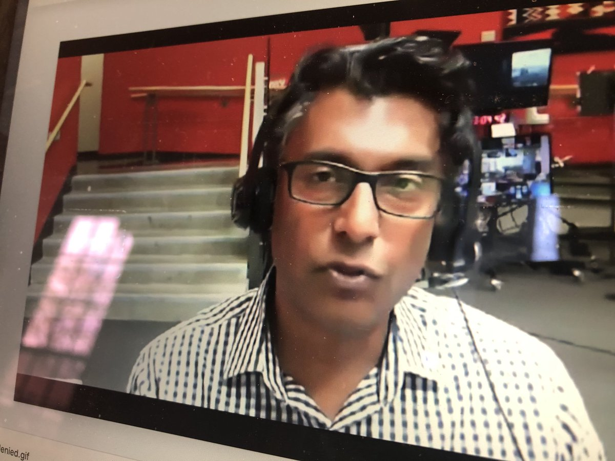 Watching @ianhanomansing @amtremonti chat about covering COVID-19 for this #JTalksLive http://cjf-fjc.ca/j-talks/behind-scenes-covering-covid-19-view-vancouver… via @cjffjcpic.twitter.com/OrWAezRvfj