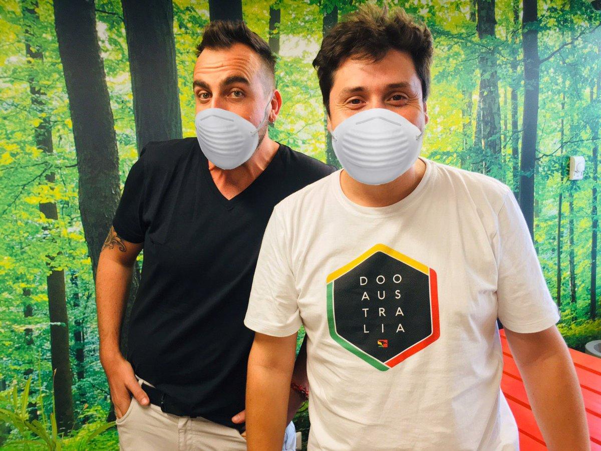¡Feliz jueves gente linda! #VacilónMatinal en la 101.3 ❤️ Llamaditos al 📞22 381 2040, 41 y 42 🔊 y audios al wsp+569 6785 3972❤️ @fcokaminski @vitocomixoficial . . #musica #chile #radiocorazón #lanúmerouno #cuarentena #coronavirus https://t.co/RVgizZwRIc
