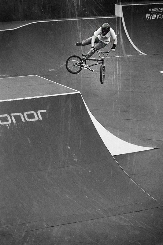 #tbt 2016 UCI BMX Freestyle Park World Cup in Montpellier, France. UCI World Champ Hannah Roberts with the tailwhip on the hip. 📸: @fatbmx https://t.co/8i7h36v9Na