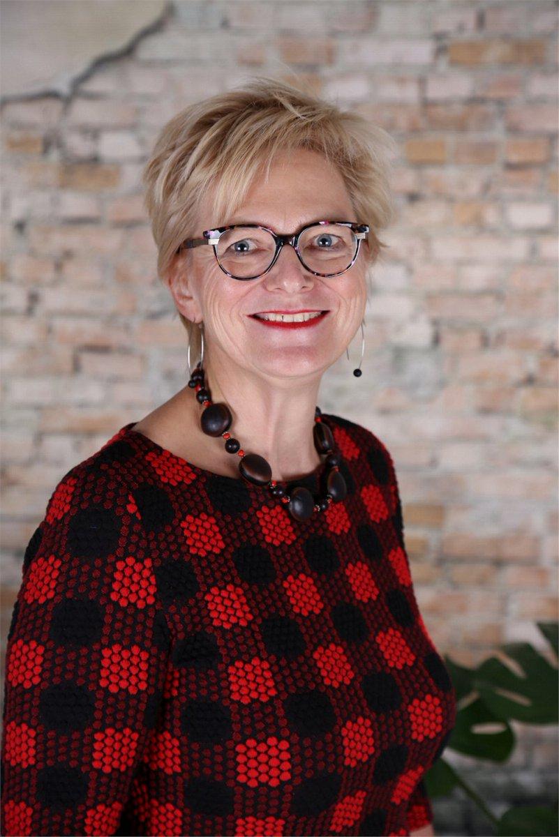 Wiesje Heeringa is benoemd tot nieuwe bestuurder van Viattence. Per 1 augustus 2020 vervangt Wiesje Heeringa interim-bestuurder Dick ten Brinke, die vanaf december 2019 de organisatie bestuurt. Meer info via: https://t.co/ZgfshxU5jR https://t.co/O7aXzZ4cmh