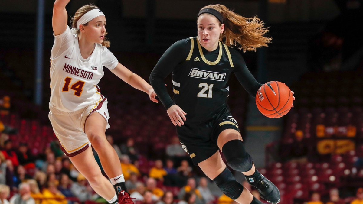 DYK: Nicole Gallagher has seen the most minutes and tallied the most points in a season by a Bryant freshman since Ivory Bailey in 2014-15?!  🏀 940 minutes 🏀 273 points   #AllHeart | #AllHustle | #WeAreBryant https://t.co/cRpeiVin21