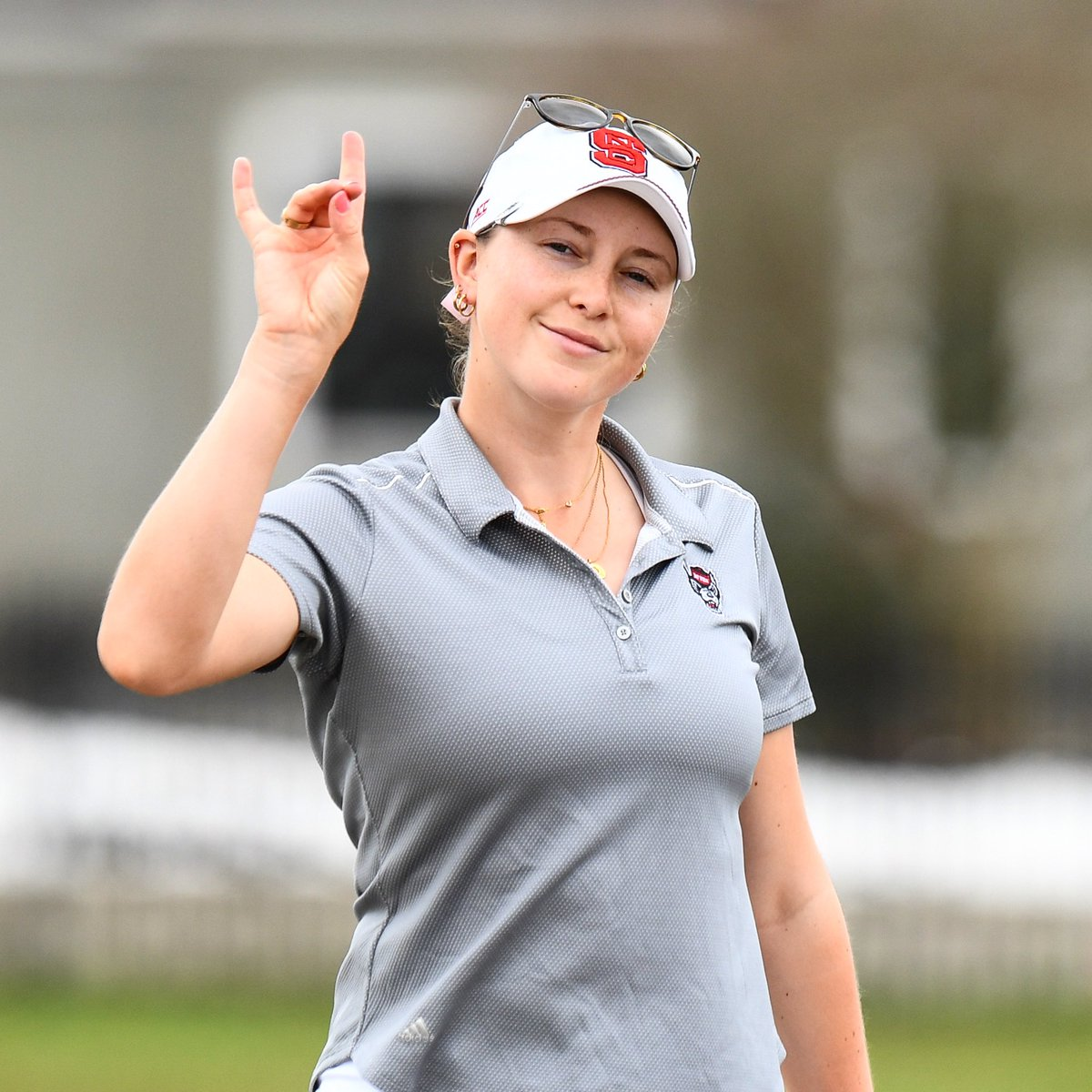 Congrats to Laura Kowohl on being named our team MVP during the 2018-19 season at last night's #Wolfies2020!  She led the team in stroke average and earned three top 20 finishes. https://t.co/EDN2NTXAI3