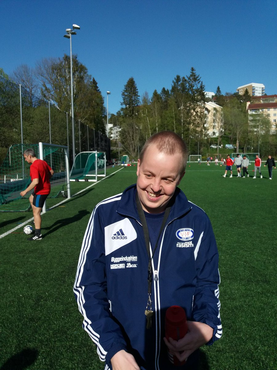 Muntrasjonsråd, inspirator og ballhenter på A-lagstreningene til Årvoll.