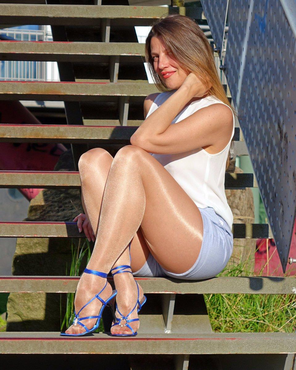 My outfit today 💙  #femininstyle #pantyhosefashion #fashiontights #pantyhoselegs #highheelsandals #tightsfashion #nylonlegs #nylonfashion #tightslover #nylonlover #fashionpantyhose #tightsblogger #fashionnylons #fashionlegs #mystylerocks #mylookoftheday #nylontoes #rednails❤️