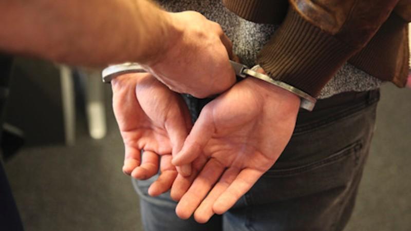 Drie personen in Leek aangehouden na mishandeling in Kornhorn. #InfoLeek.