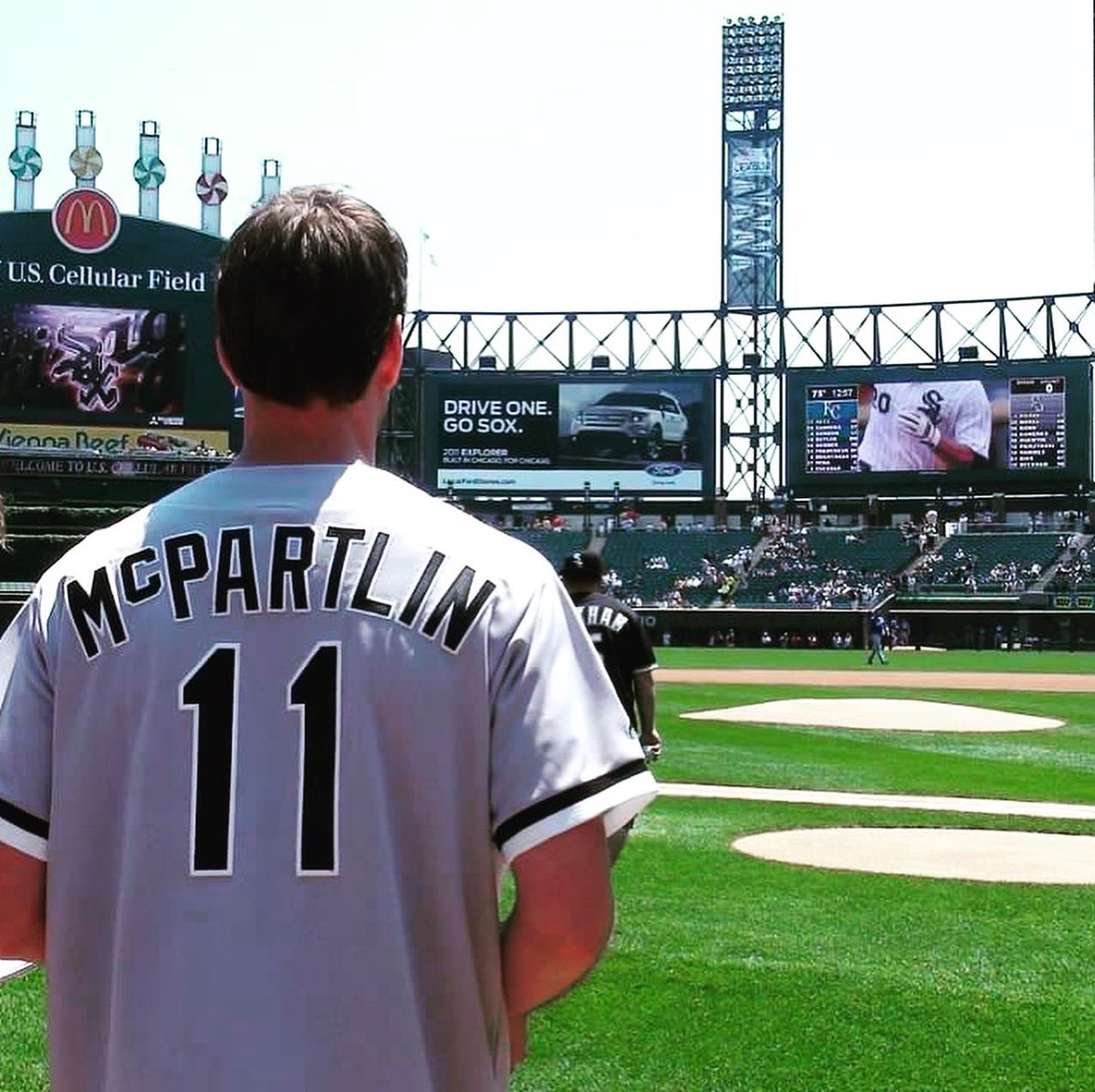 Who misses baseball??? ⚾️ 🙋🏼♂️ Should they play without fans? #tbt 🙏🏻 @whitesox