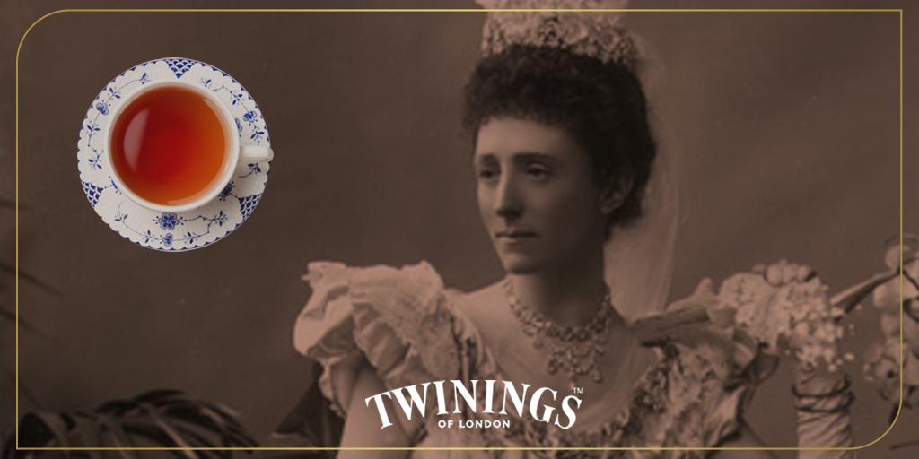 Anna Russell, Duquesa de Bedford compartía té y refrigerios con sus damas de compañía entre el almuerzo y la cena. Pronto, su costumbre se extendió por toda la corte. https://t.co/djUCl1IirZ