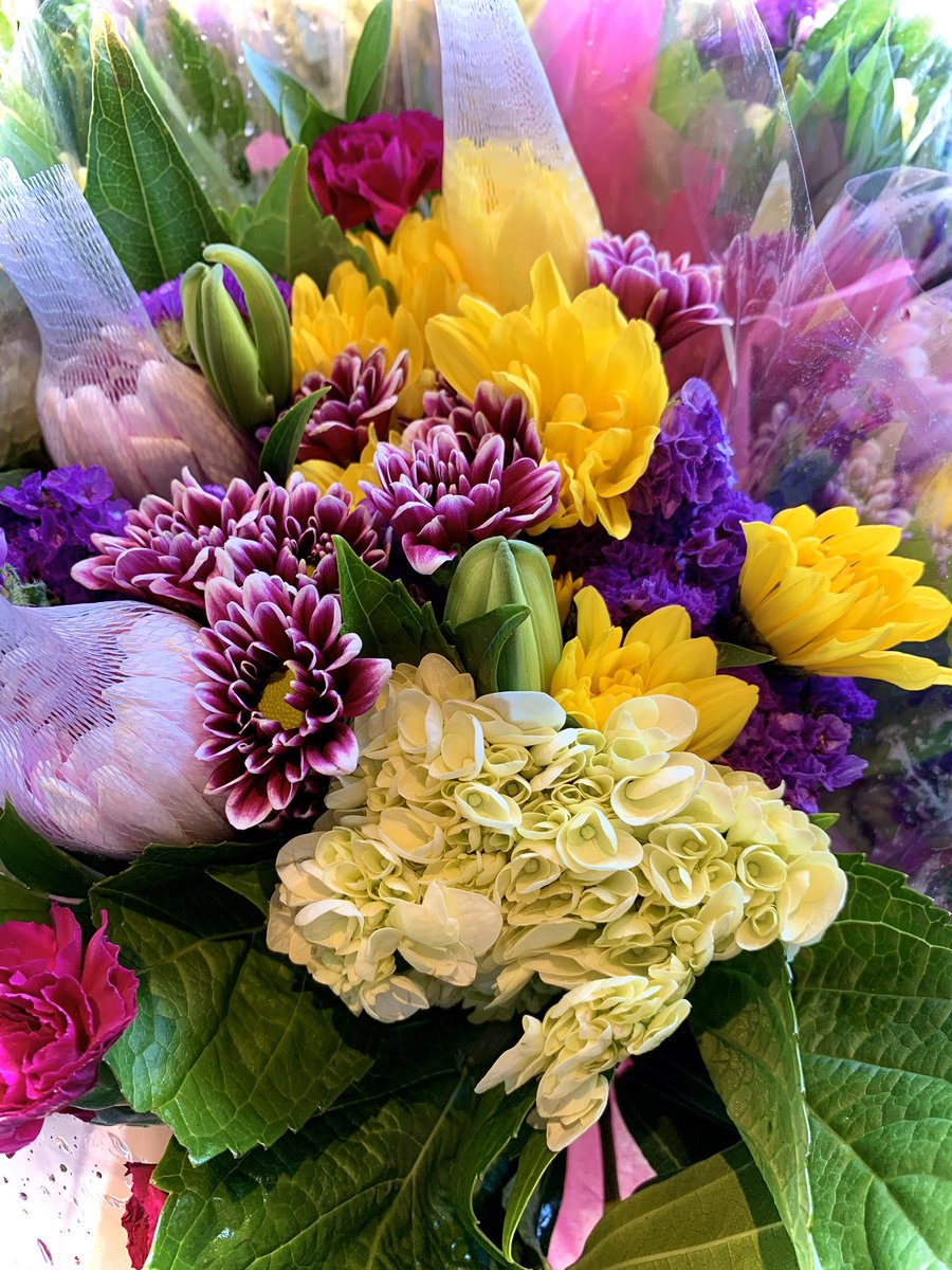 Let us take care of your #MothersDay meal! Try our take & bake meals and grab a fresh bouquet from our Dupont bodega💐 https://t.co/dqxS4HVvIx
