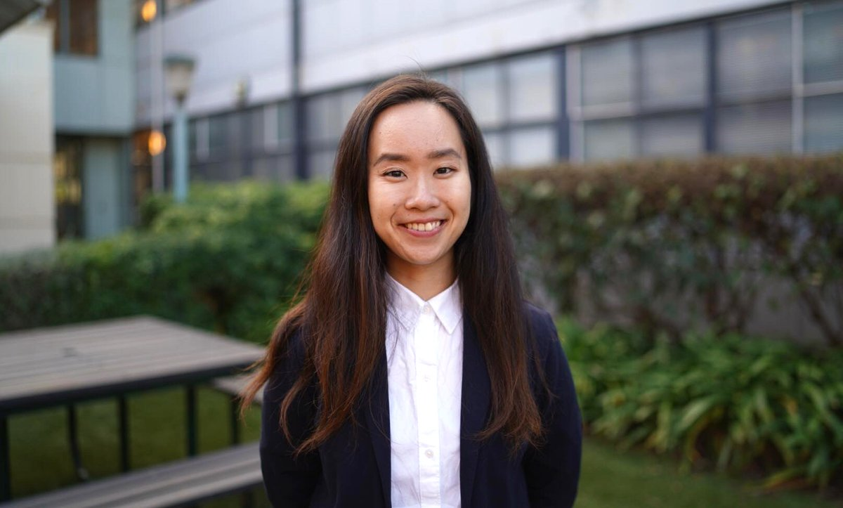 """Congratulations to @PhysicsANU Graduate @_marika_n who is on her way to study as a @Gates_Cambridge scholar!  She plans to use nanotech to transform healthcare: """"I've always thought 'How could I play a role in improving the lives of a lot of people?'"""": https://t.co/osWHz67CBr https://t.co/qu078YHRCQ"""
