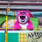 「どの面下げて」ディズニーの水上ショーでロッツォが乗っているゴンドラに違和感しかない