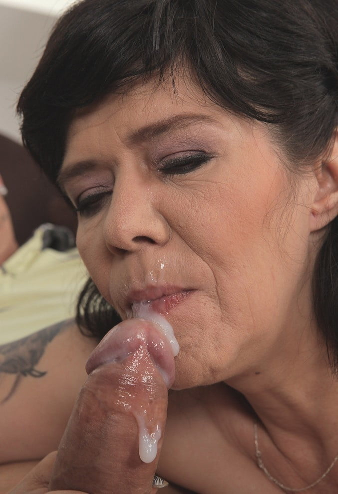 Slutload girl squirting orgasm