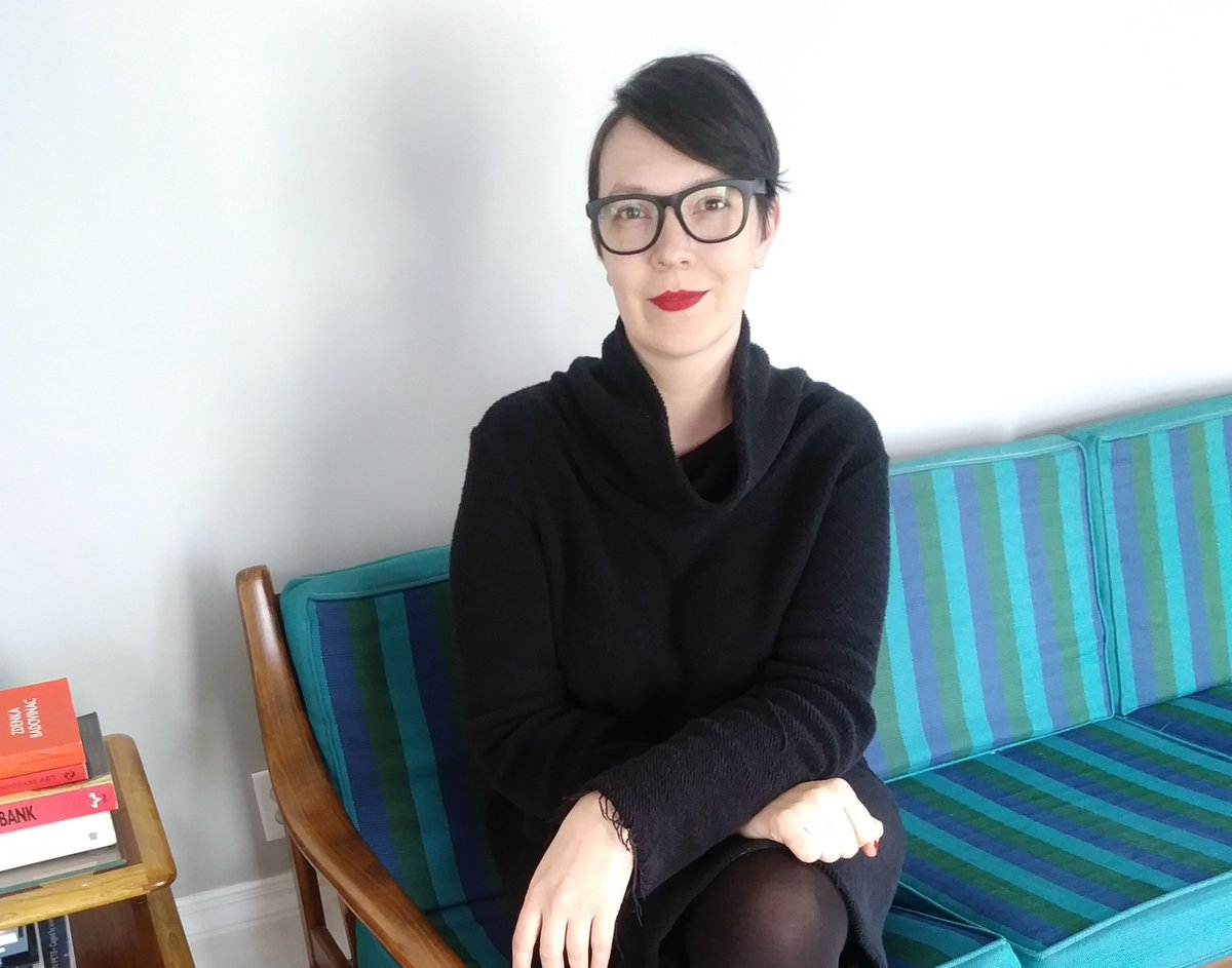 When it comes to supporting the art world, Detroiter Sarah Ayers is all-in. As director of @sayersart, she is staying connected by reading in her free time. Read more in our blog: https://buff.ly/3dtVmoc  #dcdt #gallerycurator #athomewith #artpatrons #detroitart #artgallerypic.twitter.com/uDhwqp7CYa