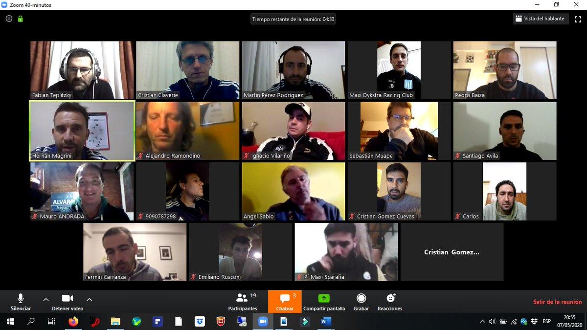#FútbolPlaya El cuerpo técnico de la Selección de fútbol playa ofreció una charla sobre análisis de video 💻📽 📝 bit.ly/2xLTtE1