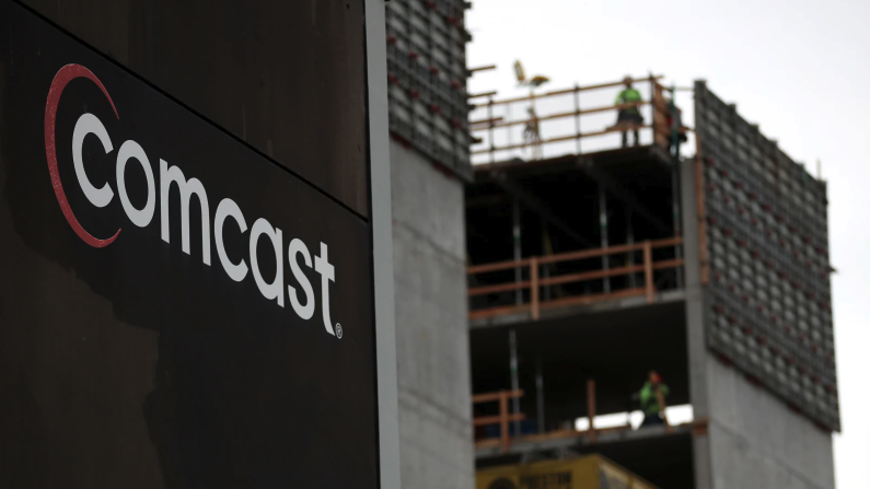 """Senators are calling on Comcast to open its """"public wifi"""" to the"""