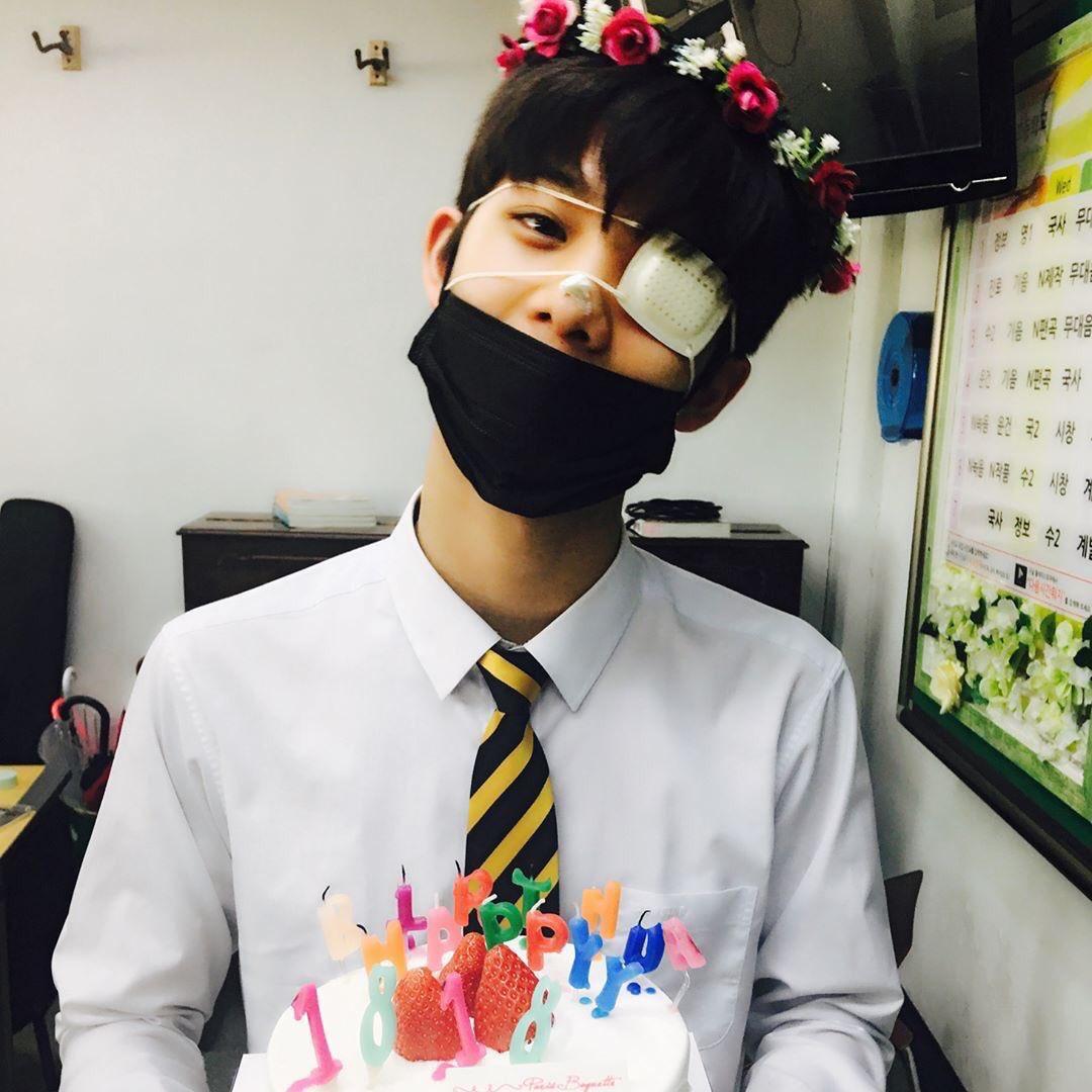 2017 - C9 trainee 2018 - Wanna One member 2019 - Soloist / C9boyz member  his 2020 B-Day is him as a CIX member  <br>http://pic.twitter.com/VVe4SGa1qV