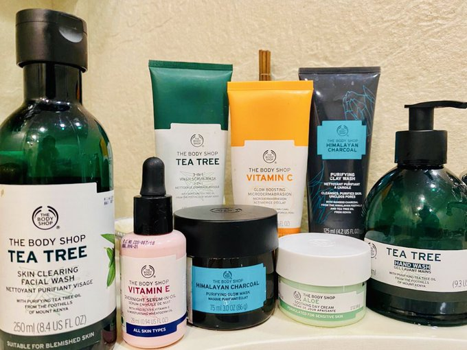 Guys, I'm taking this #TimeToCare for myself with my fave @TheBodyShopIND skin essentials! Doing my daily