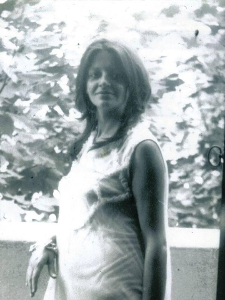 Un día como hoy en 1950 nacía la mujer que me dio la vida, pero también que le dio sentido a mi vida. Jamás entenderán lxs propagadores de odios que el amor es indestructible, perdura y trasciende nuestra propia existencia. Liliana Corti Presente! https://t.co/CFqIK8aUyr