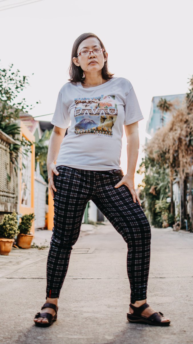Cool and chic.#nikond5300 #portraitphotography #coolandchic #citylife #cityportrait #womanphotography #womanportrait #nikkor35mm #nikonportrait #iamnikon #outdoorportrait https://www.instagram.com/p/B_-E7ktHE7C/?igshid=p2mego3f2cdj…pic.twitter.com/NYGV8OIq4f