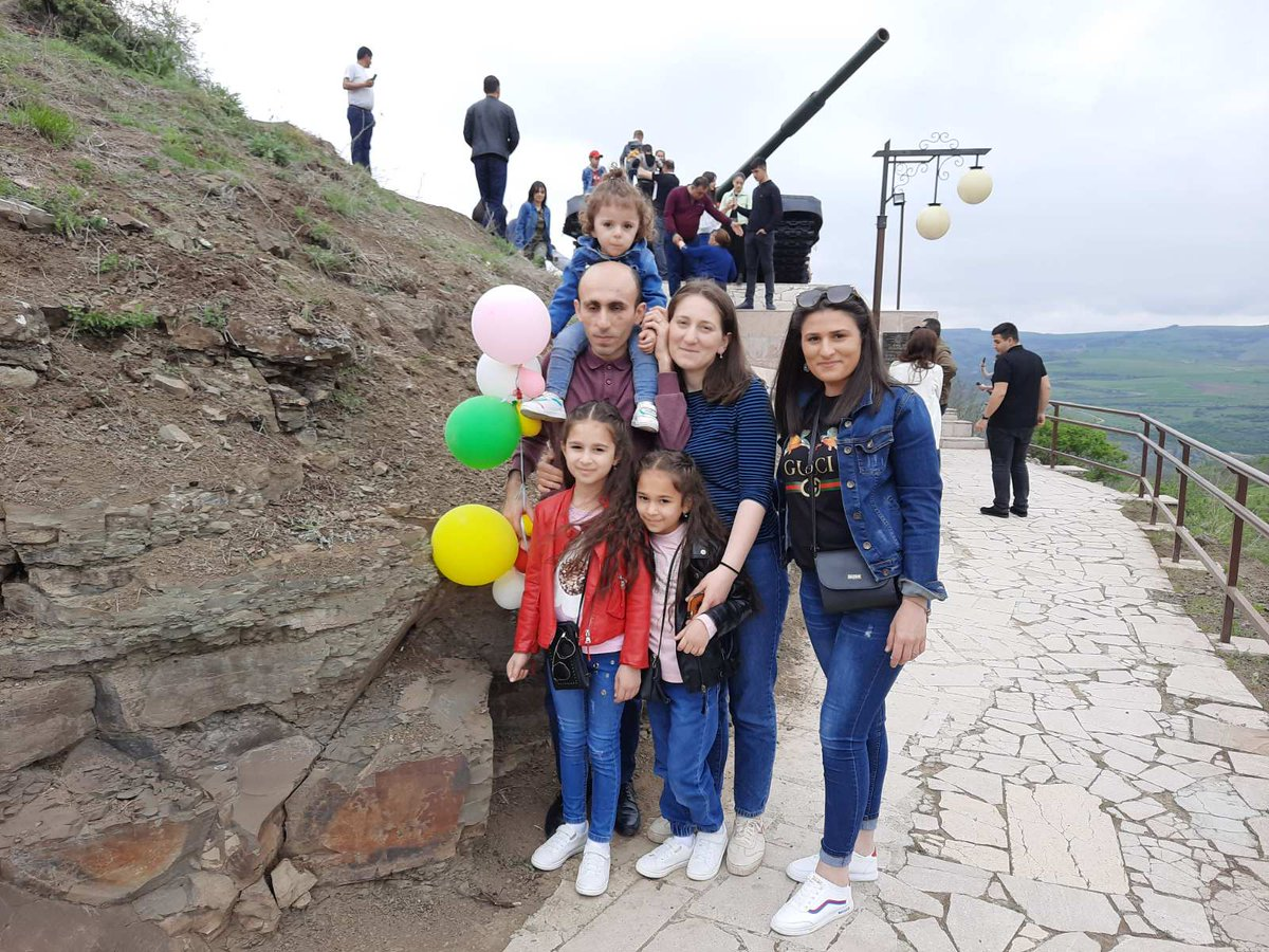 Celebrating the Triple Holiday w/ my family, appreciating the victories of previous generations in #Shushi liberation & #Victory75. These kids deserve #peace & peaceful victories not to see devastations/tragities. They know that strong state is the top guarantor of that future.pic.twitter.com/GsHpqUEQuV