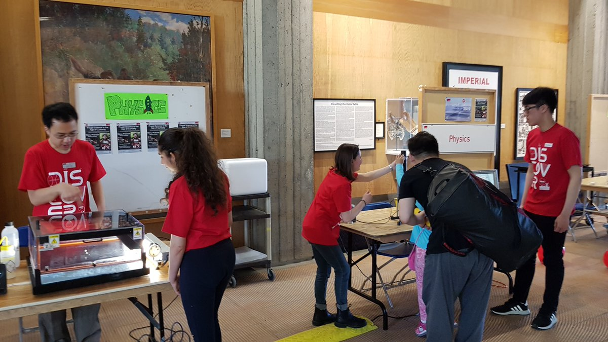 And here are photos from last year's #Science Rendezvous event at #SFU #SciRen #OdySci #ThinkLikeAScientist  @sci_rendezvous @SFU_Science @SFUPhysicspic.twitter.com/LyEjQw9Fxq