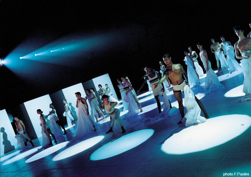 『ドキュメンタリー:フレディの魂を追悼するバレエ クイーン×ベジャール×ヴェルサーチ』 5/16(土