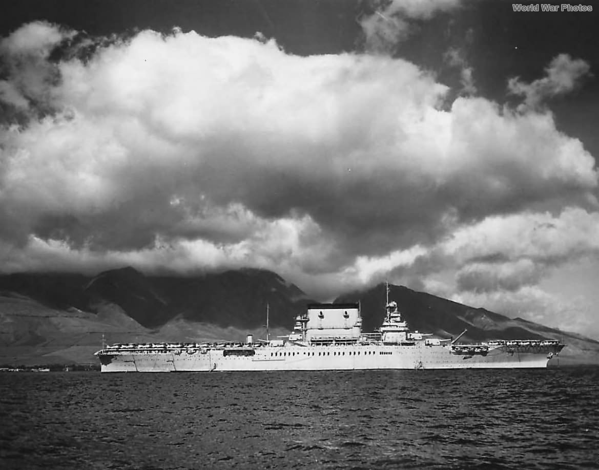 """""""Lady Lex"""" anchored in Lahaina Roads Hawaii 1935 <br>http://pic.twitter.com/6P5nZoTvEL"""