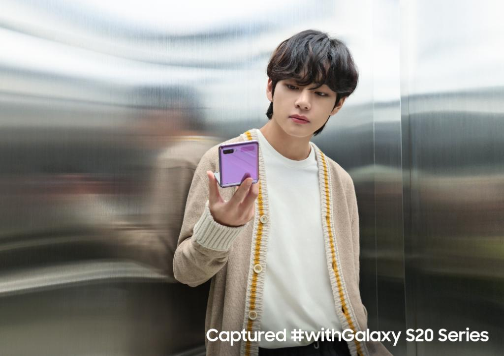 Experience authentic #BTS #V moments with #GalaxyZFlip and BTS.  Meet the phone changing the shape of the future. Learn more: https://t.co/Km4cUuxOrr #Samsung #SamsungGalaxy #Galaxy #BestOfMe https://t.co/RSEJQnzHKK