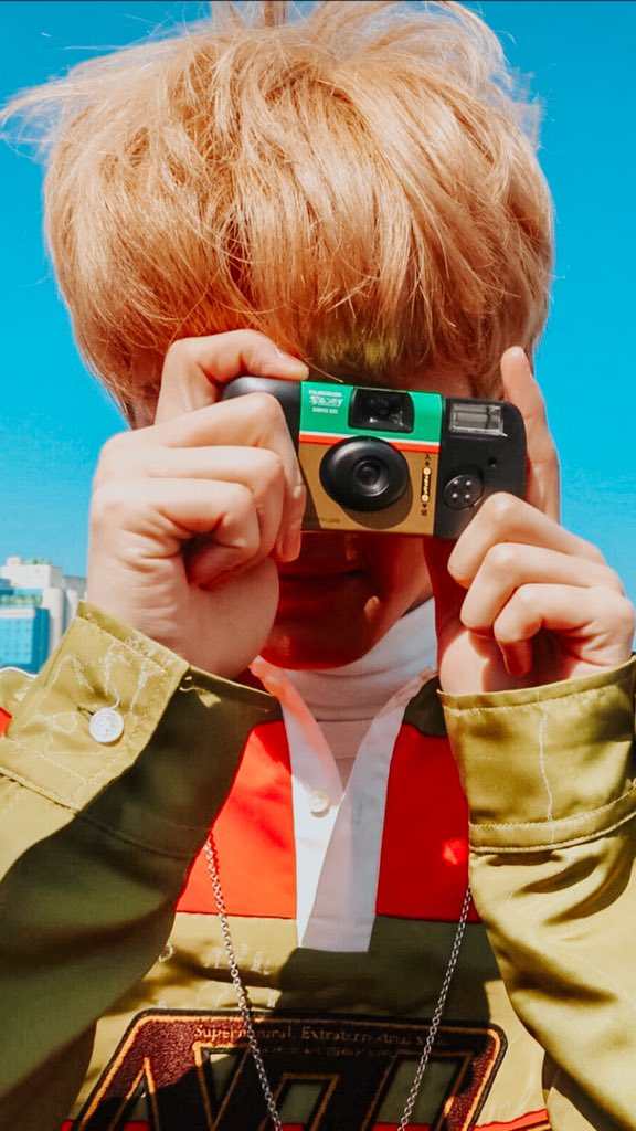"""-——————-.•° ✿ °•.——————              ❝okay! smile ada!!      i'm taking the picture right now!❞                          """"cheese!!!""""                           °•. ✿ .•° #NCTzenSelcaDay #NSD<br>http://pic.twitter.com/qZdsZrTkXf"""