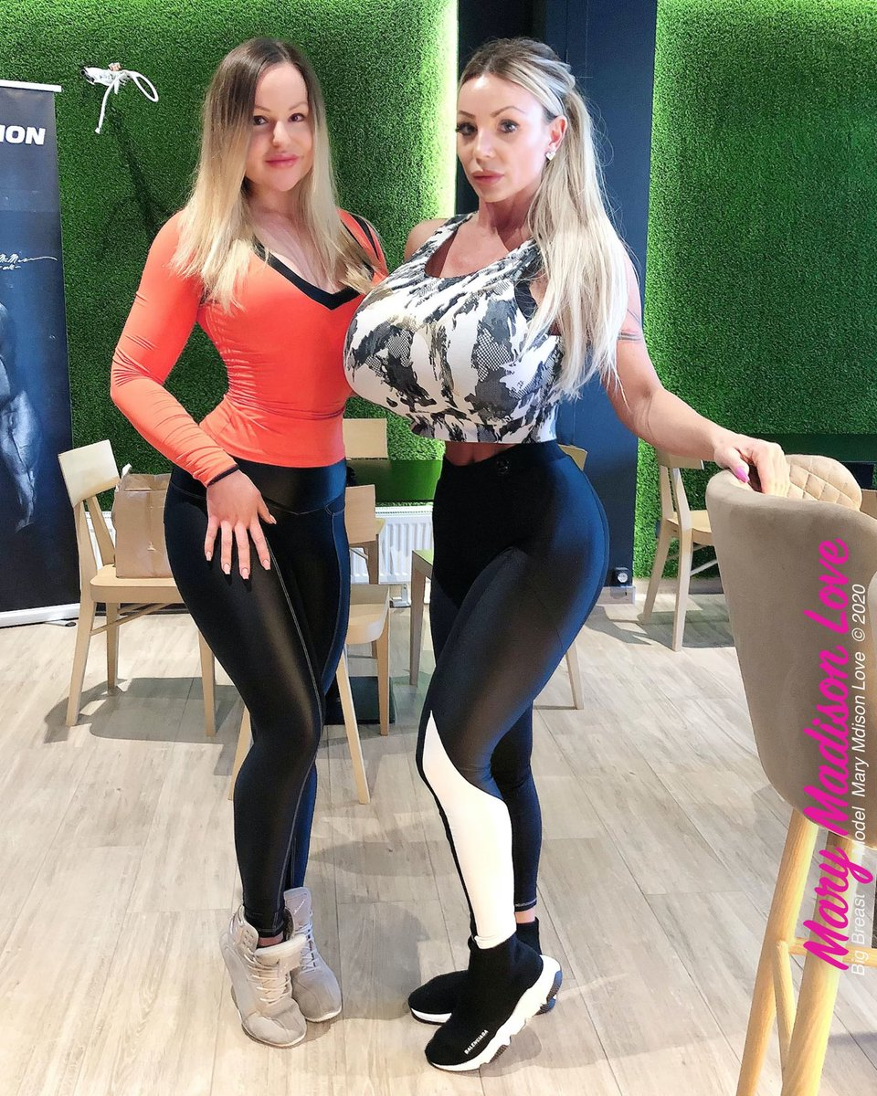 🌸 Hard work at the gym with my friend Sandra at scitec gold fitness club Debrecen💪🏼 #fitness #fitnessmotivation #fitnessgirl #fitnessmodel