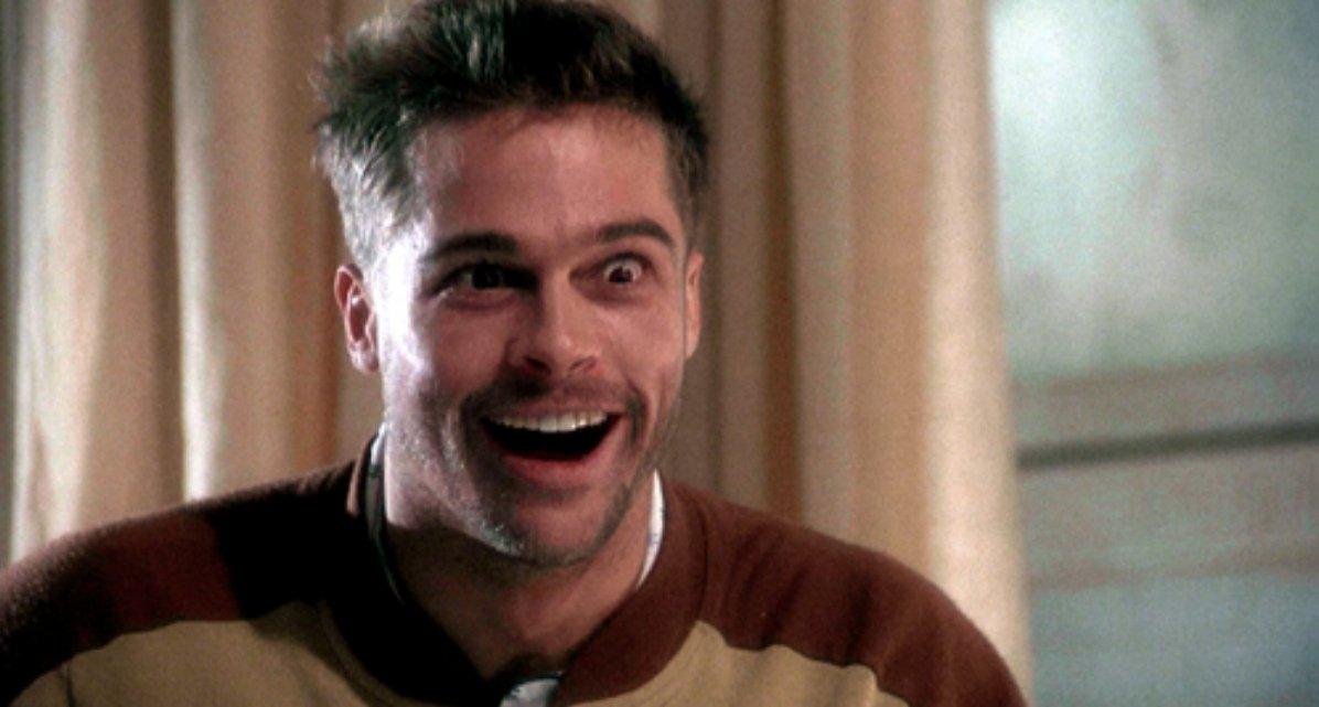 """danieloso على تويتر: """"El personaje de Brad Pitt en 12 Monos es genial. El  hijo con problemas mentales de una familia acomodada que juega a ser  revolucionario. Básicamente describe a toda la"""