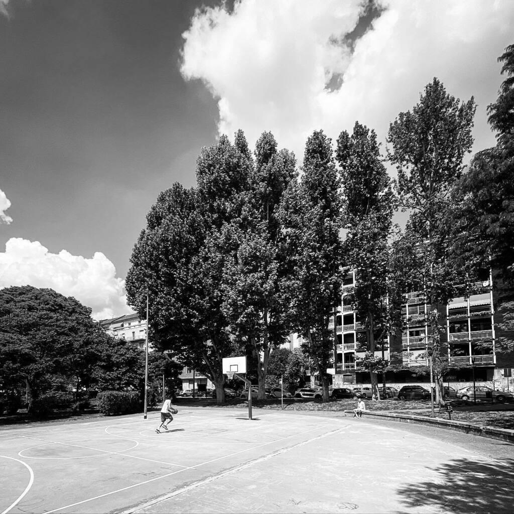 #milano #milan #biancoenero #biancoeneroitalia #bn #bw #bnw #bianconero #igersmilano #ilovemilano #basket #basketball #clouds #shotoniphone11pro #blackandwhite https://instagr.am/p/CAAi6iBIDdC/pic.twitter.com/PPMqOwIFWP