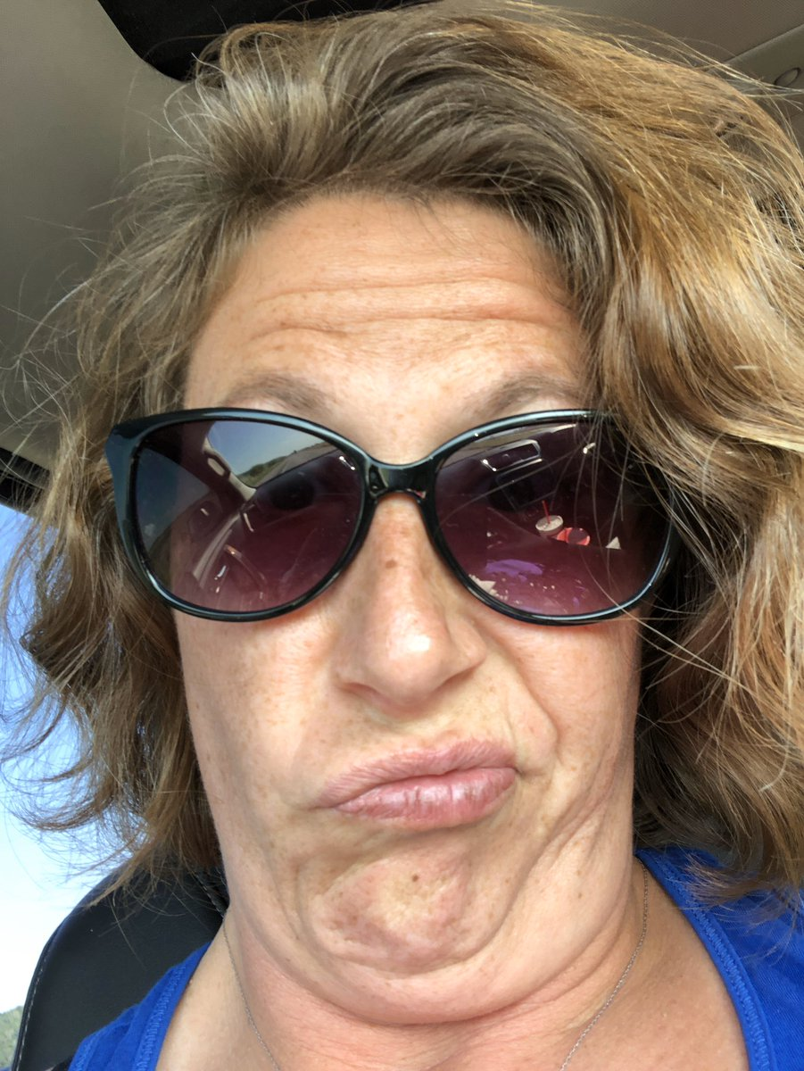 Happy Mother's Day to this crazy Cat my own mom Linda no Twitter Manz and all the other great moms that I work with in life. https://t.co/tZgDNRPhbs
