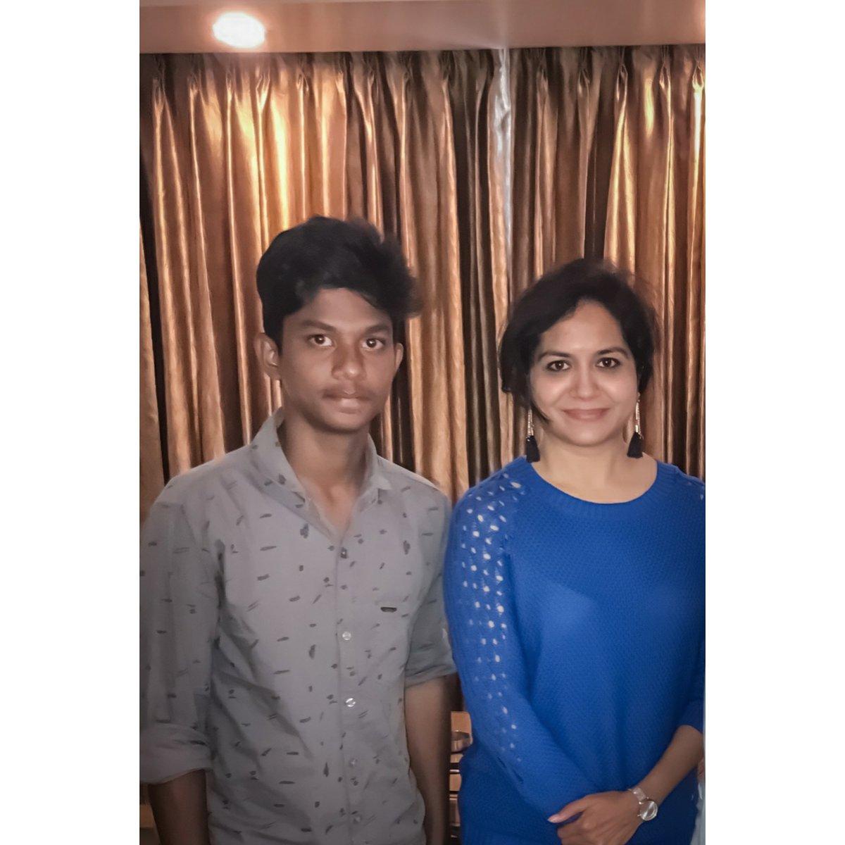 Happy birthday Sunitha ji @OfficialSunitha @sunithaholics #singersunitha #Sunitha #Singer #telugusingers #Tollywoodpic.twitter.com/KldIfRut4j