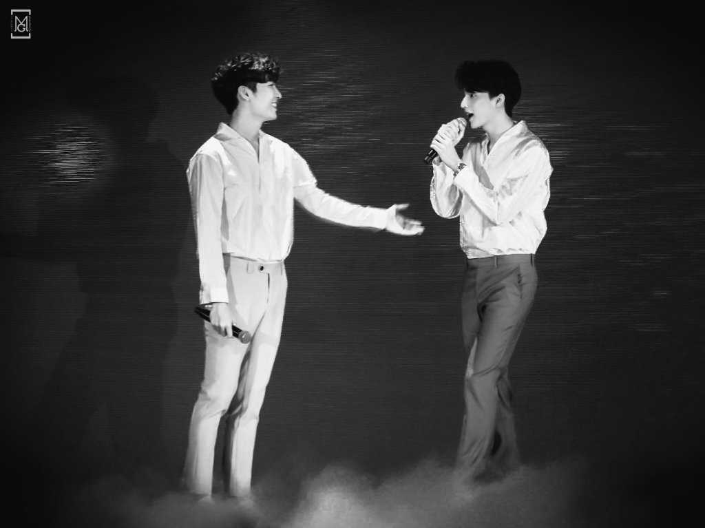 If the concept of parallel universe exists,what if Mew and Gulf never crossed each other's path?What if they ran parallel to each other, always beside but meeting at infinity? And these smiles, won't be meant for each other. What if? #mewgulf  #MewSuppasit  #GulfKanawut  #mewgulfAU