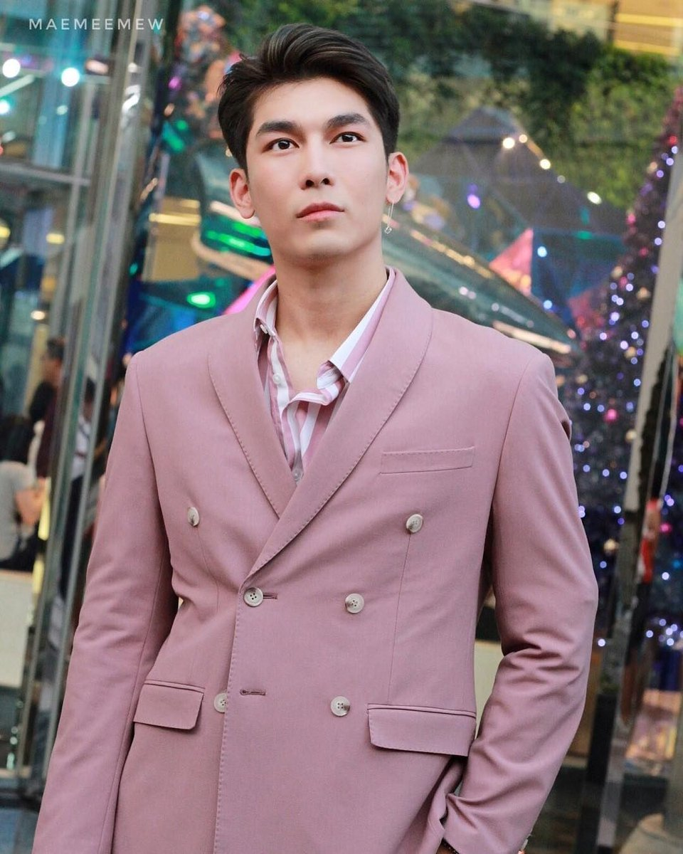 That maybe in alternate universe, Gulf is a mere college student, who sees Mew's face only on the TV screen. And in split seconds Gulf wonders, if in real life Mew looks as good as he is on the screen? #mewgulf  #mewgulfAU  #MewSuppasit  #GulfKanawut