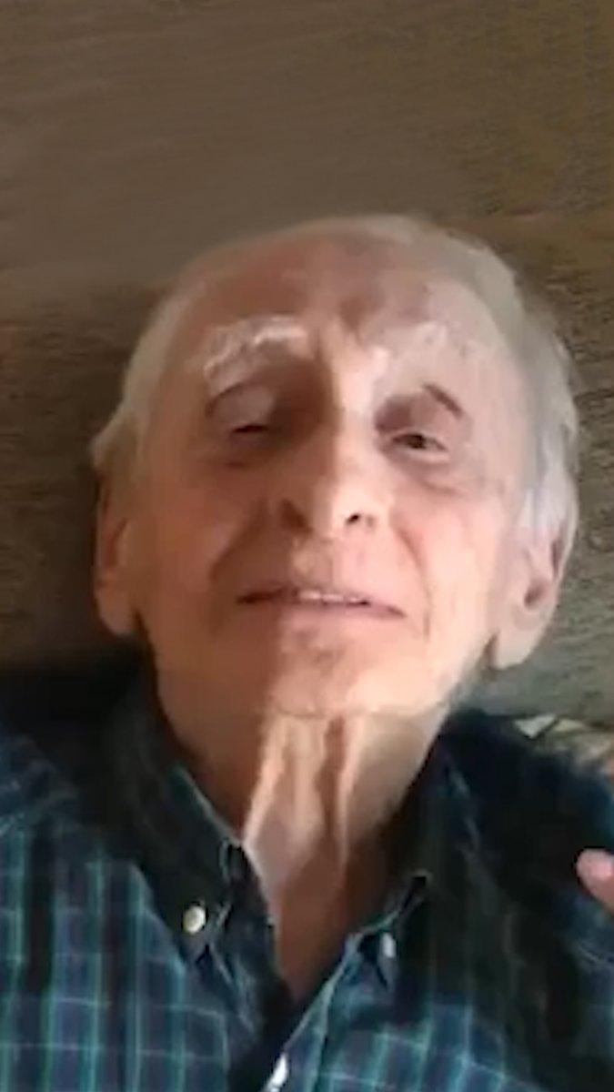 Cumplió 100 años y recibió el más tierno homenaje de su nieta a través de una pantalla | Por Camila Hernandez Otaño https://t.co/I3lySZwB4w https://t.co/FrFoQlSb15