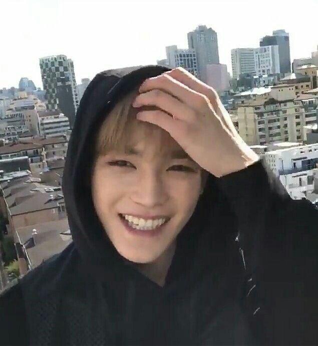 Taeyong smile
