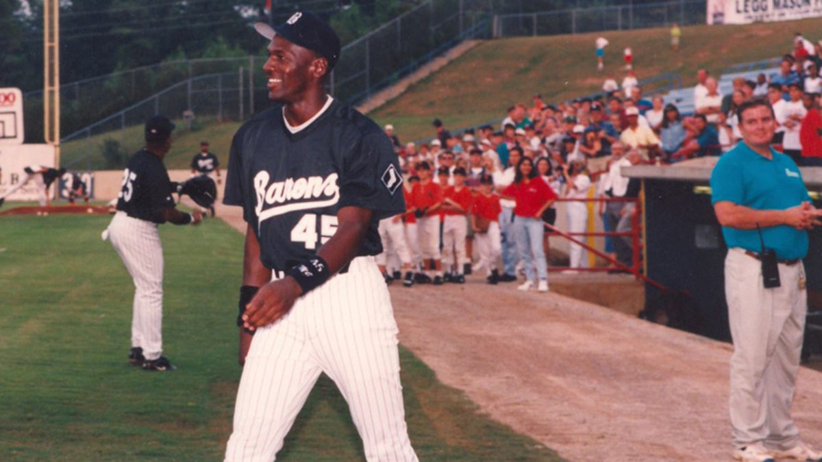 Looking for a read on Michael Jordans baseball career? Look no further. @Kelsie_Heneghan details Jordans time with the @BhamBarons right here ⬇️ 🗞️: atmilb.com/2STNswr