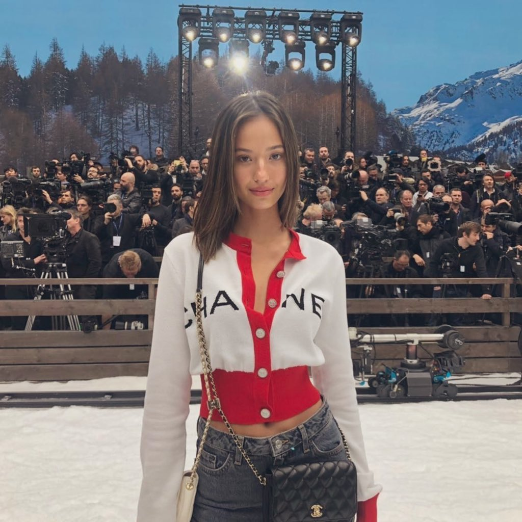 Attending at Fall/Winter19Show  @ Chanel  #chanelinthesnow 🌸 Thanks for having me❤️ https://t.co/EMjT7gORm2